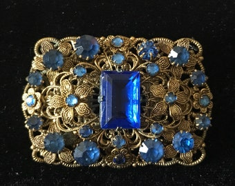 BLUE CRYSTAL RHINESTONE Brooch, Vintage, Prong Set Stones, Stamped Metal, Old Catch, Czech ?, Gold Tone, Costume Jewelry, Floral, Filigree