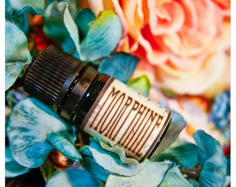 morphine - natural perfume oil - 1/6 oz