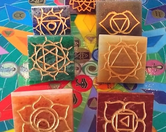 7 CHAKRA  PYRAMID CRYSTAL Set with Pouch, Usui Reiki Symbol Gold Engraved,  Energy Healing