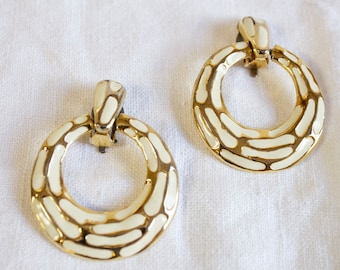 Vintage Earrings Round Gold and enamel Ivory Clip on
