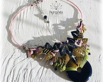 """Leafs"" (Onyx and small rhodochrosites) bib necklace - jewelry water lily fine macrame"