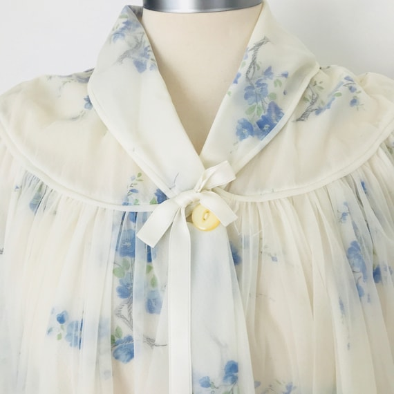 1950s robe, vintage dressing gown, blossom print, cornflower, St Michaels, sheer nylon chiffon, flared babydoll white, boudoir, 50s pin up