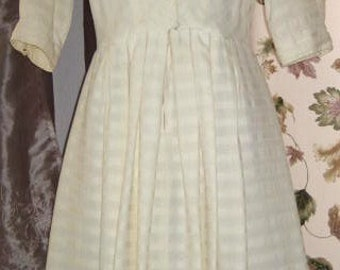 Day Dress Woven Textured Cotton - Mother of Pearl Buttons 50s 60s Vintage