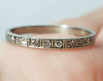ANTIQUE 18k Art Deco Old Mine Cut DiamondWedding Band Ring White gold - size 7.75