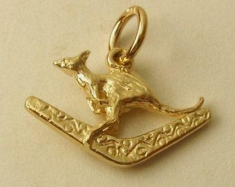 Genuine SOLID 9ct YELLOW GOLD Kangaroo with Boomerang charm pendant