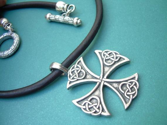 leather necklace celtic cross mens necklace mens jewelry. Black Bedroom Furniture Sets. Home Design Ideas