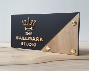bespoke table plates | branded table plates | table names | table centrepieces | bespoke centrepieces | bespoke table names