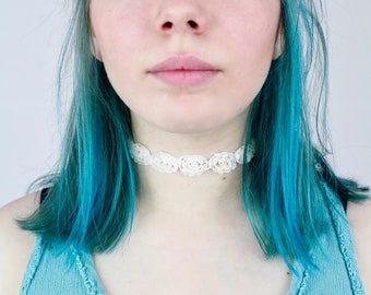 Roses Rosè Mesh and Lace Choker - TinyLittlePiecesShop