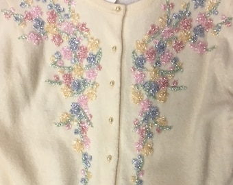 Beautiful Vintage 1950's/60's cardigan adorned with PASTEL FLORAL BEADING on front/back/cuffs size s/m