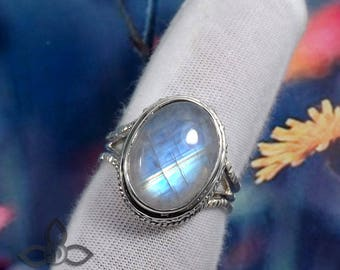 Rainbow Moonstone Ring, Blue Fire Rainbow Moonstone Ring, Designer Ring, 925 Silver Ring, Perfect Gift For Her, Partywear Rings, Jewellery