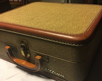Vintage Victrola Portable Record Player