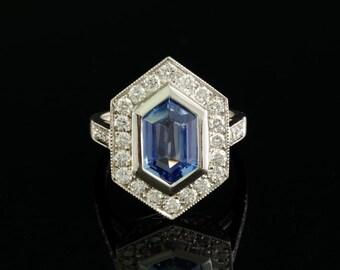 3.00 Ct natural no heat sapphire and 1,50 Ct diamond distinctive ring