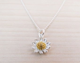 Silver Daisy Necklace - Sterling Silver