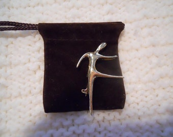 Brooch - Pin - Gold Tone Metal - Free form Dancer - So Graceful and Full of Movement - What is not to love?