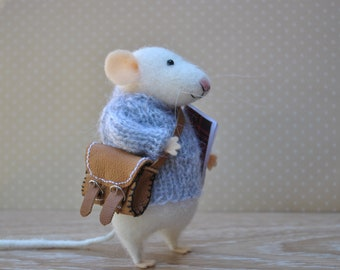 Wool rat funny gift Needle felted rat Miniature animal Felt mouse White mouse felt mouse Felted mice Waldorf animal toy Cute mouse with bag