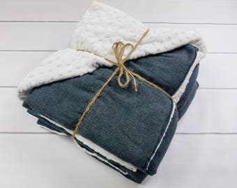 Weighted Blanket for Adults - Classic Gray Herringbone and Luxurious Complementing Minky (40x65 inches) - Adult Weighted Blanket