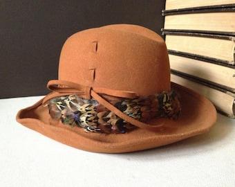 Ladies Feathered Fedora Hat New York Mr John Classic Felt Rust Red