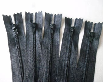 x 5 closed zippers black not separable 20 cm
