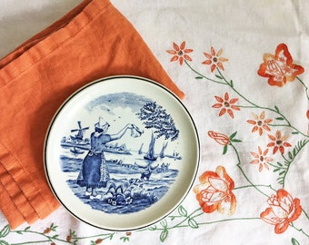 Vintage Delfts Blue Boch Royal Sphinx Holland Plate/Dutch Delftware/Delfts Holland/Blue and White Delft Wall Plate/Woman Waving Goodbye