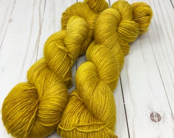 merino single ply Indie dyed sock yarn - tonal gold - Wheaton