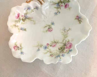 Limoges Trinket Tray, Leaf Shaped