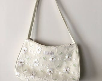 Vintage 90s GUESS White Embroidered Mesh Daisy Purse, Vintage Guess, 90s Bags, 90s Accessories, Floral Purse