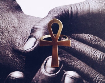 Large Ankh Ring // Key of Life, Gold Ankh Ring, Ancient Egyptian Jewelry, Ethnic Jewelry, Brass Jewelry, Kemetic, Kemet Egypt, Afrocentric