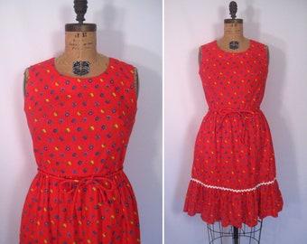 vintage Swirl flower print wrap dress • 1950s red ditsy floral print day dress • 50s sleeveless sundress