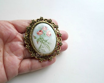 SALE!!!   PAINTED FLORA . big brooch