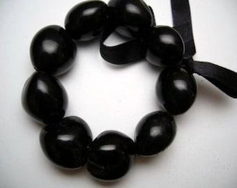 Brown or Black Kukui Nut Stretchy Bracelet.