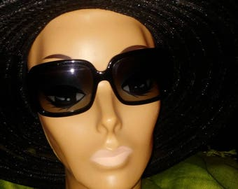 Oversized Black Burberry Sunglasses Plaid Sides