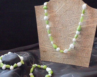 Lovely green and white necklace and bracelets set.