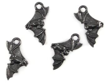 Black Oxide TierraCast Flying Bat Charms
