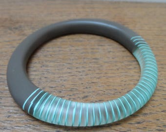 resin bangle/grey bangle with turquoise stripes/magnetic bangle/chunky bangle/handmade/stacking bangles/contemporary/quirky bangle/gift