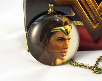 Wonder Woman Round Glass Pendant Necklace
