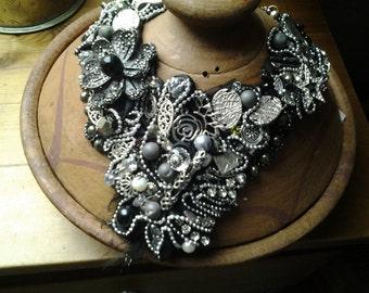 Collar chest metal pyrite