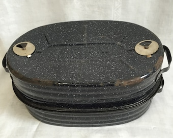 """Rustic Large Reed Enamelware Roaster with Insert, Black with White Specks, 18"""" Handle to Handle"""