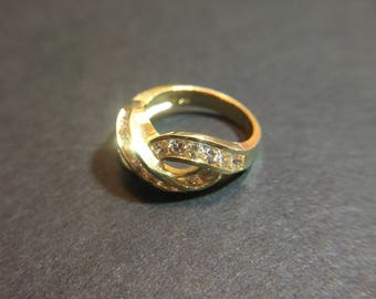14K yellow gold ring with CZ, size 6, weight 5.3 grams