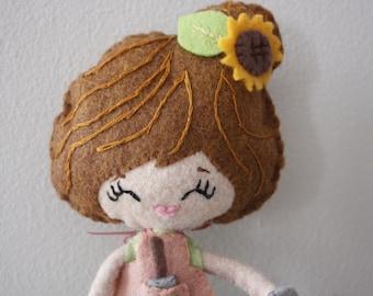 Plüsch Poseable Garden Girl Puppe. Plüsch Puppe. Softie. Noia Land.