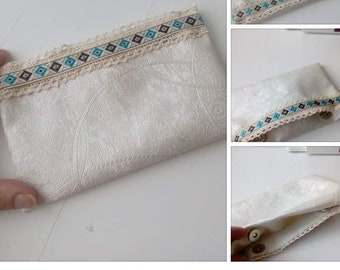 Chic bag pouch