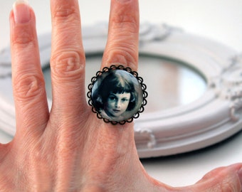 Real Alice in Wonderland ring  feminine victorian photo Lewis Carroll sepia black and white