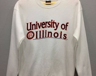 Vintage University Of Illinois Sweatshirt Jumper Spell Out Long Sleeve White Color Streetwear Casual Clothing Medium Size Unisex Adult Iyfaa
