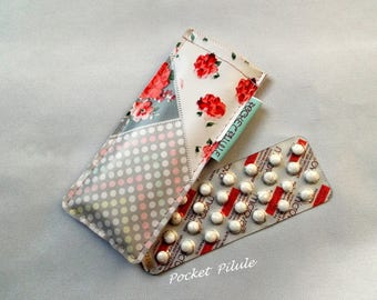 "For the ""Peas"" plaque of pill case in oilcloth, red, beige, white"