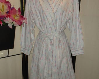 Vintage chenille robe Medium; short white with blue and pink pastel stripes by Camelot shawl collar attached sash wide waistband made in USA