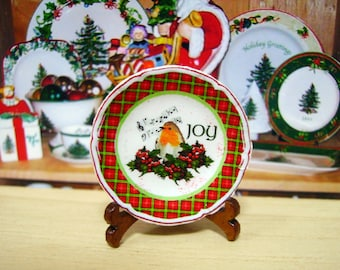 Christmas Robin Miniature Plate for Dollhouse 1:12 scale
