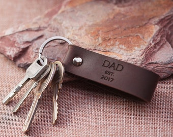 Dad est Keychain - First Father's Day Gift - Personalized Gift for Dad - Gift for New Dad Keychain- Husband Gift - Custom Leather Keychain