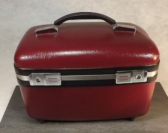 Vintage American Tourister Train case , Makeup case , small luggage