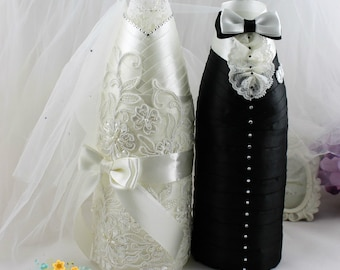 Wedding Champagne Decoration Bride&Groom in ivory and black-Wedding champagne bottle favor-Wedding Bottle Decorations-Engagment Party Favor