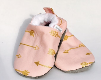 Pink Arrow Baby Shoes, Baby Girl Shoes, Soft Soled Baby Shoes, Baby Booties, Baby Moccasins, Crib Shoes, Toddler Slippers, Baby Moccs