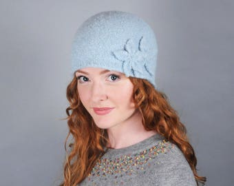 Women's Wool Felt Winter Hat // Merino Wool // Double Flower Cloche // 1920's style // Several colors // Gifts for Her // Beanie // Tuque